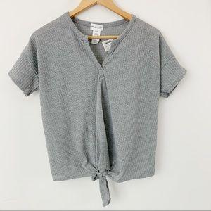 Gaze Gray Shirt Sleeve Top Bottom Knot